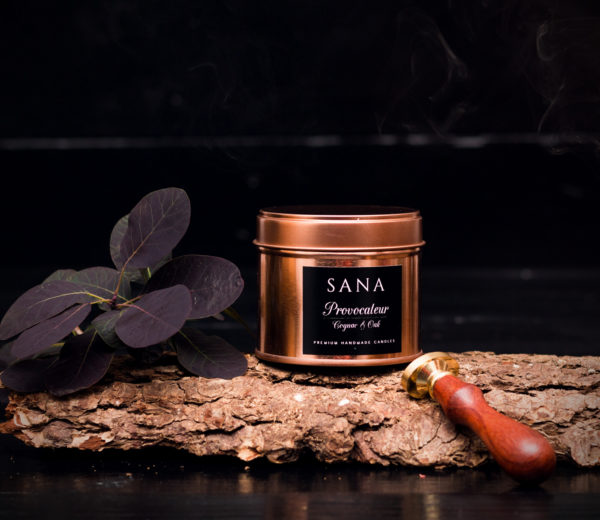 Lumanare parfumata premium cu tabac si cognac in cutie metalica mare