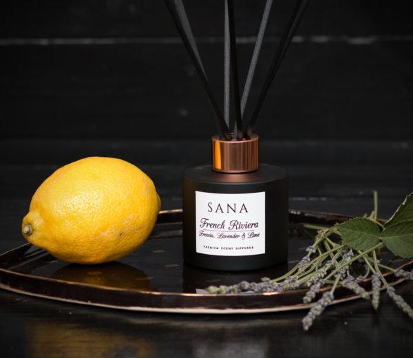 parfum de camera premium cu frezie si lamaie in 100 ML