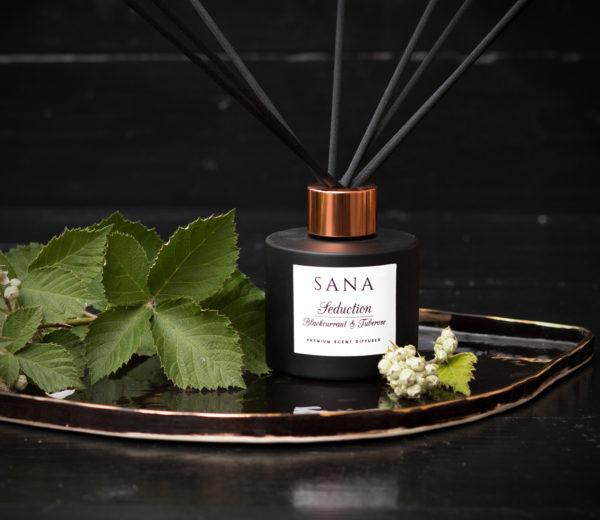 parfum premium de camera cu tuberoze si coacaze 100 ml